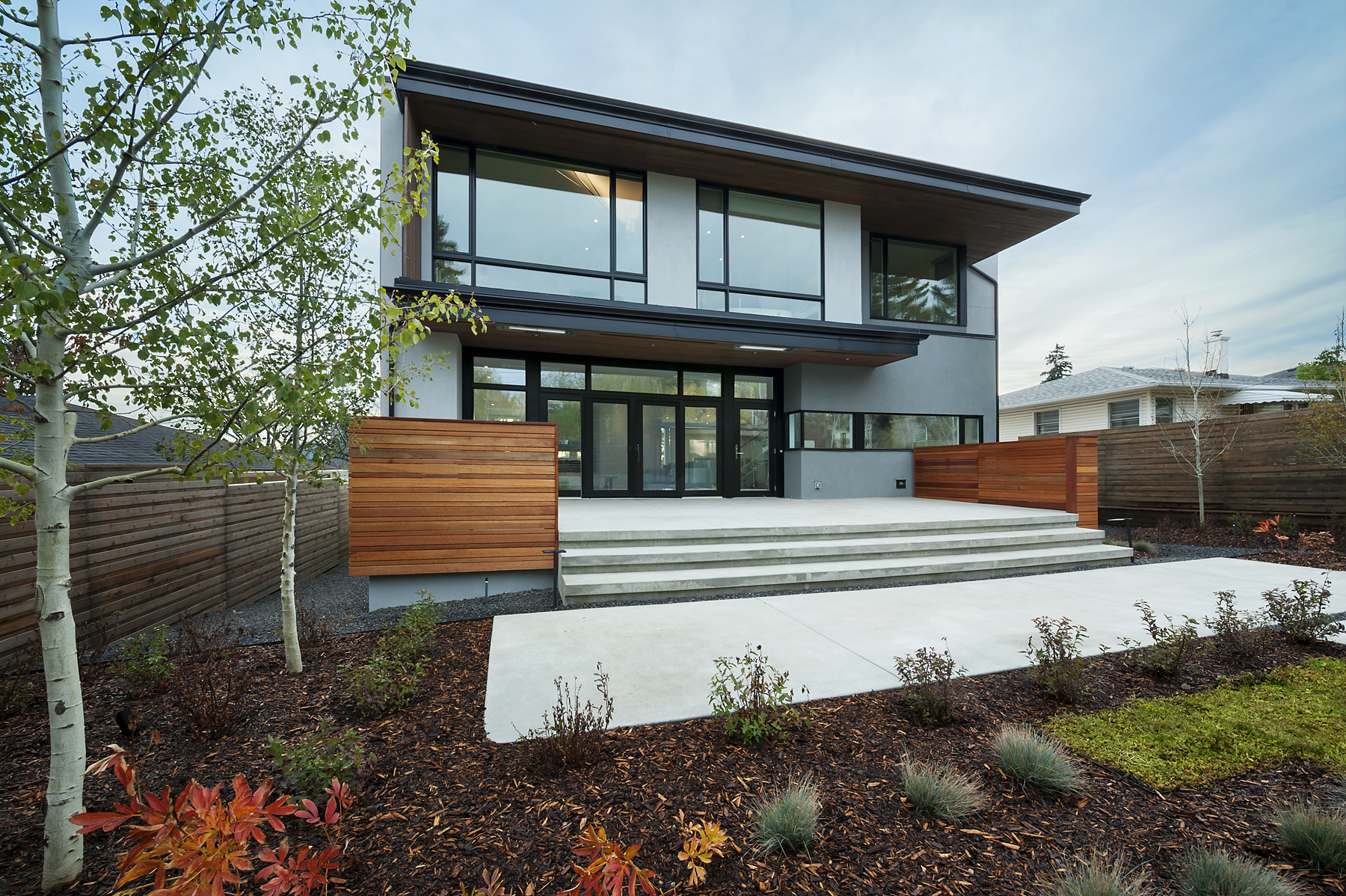 Modern Custom Home by Alloy Homes Inc.